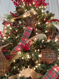 awesome 45 brilliant ideas christmas tree decoration ideas with ribbon - Barn Christmas Decorations