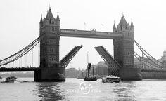 London Bridge http://www.geeksandpics.com/