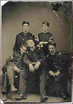 Civil War Soldier Tintype Candid Group Photo ~ BFD