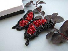 """467 Likes, 39 Comments - Украшения ручной работы (@julia_kucher_03) on Instagram: """"Очень давно хотела снова вышить бабочку и я очень рада что поступил заказ на такую красавицу❤ По…"""""""
