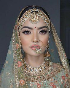 Bridal Makeup Images, Bridal Makeup Looks, Bridal Looks, Desi Bridal Makeup, Bride Makeup Natural, Indian Makeup Natural, Indian Makeup Looks, Indian Wedding Makeup, Indian Bridal Jewelry