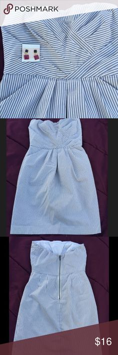 Selling this Size 6 strapless gray and white striped dress on Poshmark! My username is: prairiechic24. #shopmycloset #poshmark #fashion #shopping #style #forsale #French Connection #Dresses & Skirts