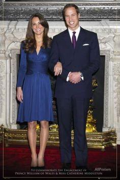 Kate Middleton Outfits, Kate Middleton Engagement Dress, Kate Middleton Stil, Kate Middleton Photos, Engagement Dresses, Royal Engagement, Engagement Ring, Engagement Photos, Prince William Et Kate