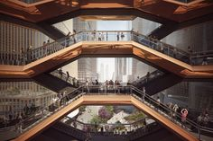 Upper Level View Through the Vessel. Image Courtesy of Forbes Massie-Heatherwick Studio