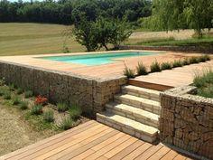 """Construire une piscine, Les JARDINS EN CASCADES sont à votre écoute.Nous réalisons """"La Piscine"""" de rêve à votre échelle et intégrée à votre environnement."""