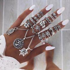 dollhousedubai: White nails perfect for summer #dollhousedubai