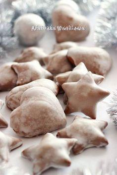 Arabeska : Pierniczki jak alpejskie Polish Cookies, Polish Recipes, Christmas Cooking, Cannoli, Cookie Bars, Holiday Recipes, Holiday Foods, Cookie Recipes, Gingerbread