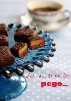 trufa de café (chocolate barra, creme de leite, cafe, manteiga, adocante, essencia de baunilha)