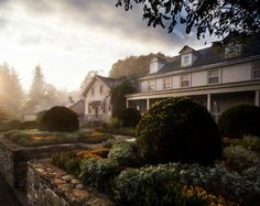 Bedford Farm - farmhouse - landscape - bridgeport - Michael Biondo Photography