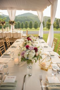Low wedding centerpieces with roses, dahlia, ranunculus, lavender lilac, hydrangea, and dusty miller designed by Edge Design Group   Photography Inije Photo   Reception Design, Wedding Reception, Low Wedding Centerpieces, Spray Roses, Edge Design, Garden Styles, Event Decor, Hydrangea, Wedding Designs