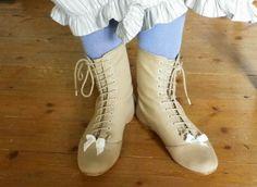 Kleidungum1800 in her Nankeen Regency Boots by American Duchess