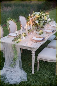 Waw Top and Unique Reception Table Ideas by Debbie McNairy