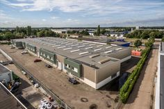 Multifunctionele bedrijfsruimte te huur in combinatie met kantoorruimte in Etten-Leur. Diverse afmetingen beschikbaar! Meer weten? Bel 085-413999!  https://www.huurbieding.nl/huur/bedrijfsruimte/1-11387/etten-leur/mon-plaisir-102-104.html  #bedrijfsruimte #kantoorruimte #bedrijf #kantoor #ondernemer #gezocht #multifunctioneel #ettenleur #vosdonk #breda #noordbrabant #brabant #Nederland #NL