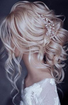 34 Trendy Wedding Hairstyles For Strapless Dress The Bride hairstyles for strapless dress 34 Trendy Wedding Hairstyles For Strapless Dress The Bride Cute Wedding Hairstyles, Curly Wedding Hair, Loose Hairstyles, Wedding Hair And Makeup, Wedding Nails, Gorgeous Hairstyles, Hair For Bride, Bride Hairstyles With Veil, Bridesmaid Hairstyles