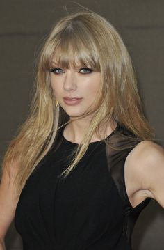 Taylor Swift Guitar, Taylor Swift Hot, Red Taylor, My Girl, Cool Girl, Miss Americana, Swift Photo, World Most Beautiful Woman, Taylor Swift Pictures