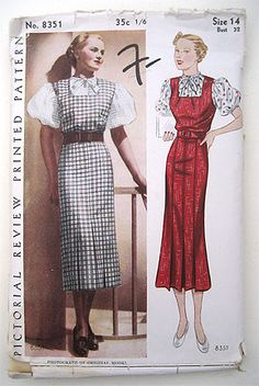 Vintage 30s Slim Fitting Dress Puff Sleeves.