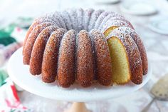 """"""" With its perfectly balanced flavors (butter, sugar, vanilla), this moist, fine-grained Classic Vanilla Bundt Cake cake is simply delicious. Dark Chocolate Cakes, Chocolate Recipes, Vanilla Bundt Cake Recipes, Bakers Kitchen, Flavored Butter, Sugar Cake, Box Cake Mix, King Arthur Flour, Quick Easy Meals"""
