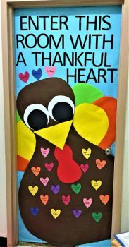 32 New Ideas Easter Classroom Door Elementary Schools Thanksgiving Classroom Door, Thanksgiving Door Decorations, Halloween Classroom Door, Thanksgiving Bulletin Boards, Thanksgiving Art, Thanksgiving Preschool, Preschool Door, Preschool Bulletin Boards, Kindergarten Door