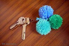 Pompom keyholder #DIY #gift #kids