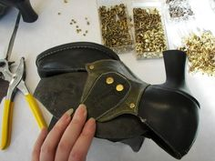 Tutorial to give modern shoes a victorian look