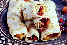 crêpes with apple tranberries and cinnamon Crepes, Polish Recipes, Polish Food, Tacos, Mexican, Apple, Ethnic Recipes, Sweet Life, Sweet Tooth