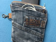 Most current Absolutely Free Free sewing instructions for jeans upcycling pouch Suggestions I love Jeans ! And even more I love to sew my very own Jeans. Next Jeans Sew Along I am going to s Next Jeans, Love Jeans, Clothes Dye, Clothes Crafts, Recycle Jeans, Upcycle, Diy Backpack, Cell Phone Pouch, Diy Shirt