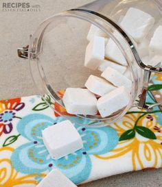 Homemade Dishwasher Detergent Tabs - Recipes with Essential Oils Homemade Dishwasher Detergent, Dishwasher Tablets, Clean Dishwasher, Home Cleaning Schedule Printable, Cleaning With Hydrogen Peroxide, Pasta Casera, Diy Organisation, Grilling Gifts, Cleaning Walls