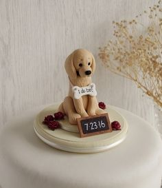 Golden Retriever Wedding Cake Topper - Dog Cake Topper -  ANY BREED - Tap the pin for the most adorable pawtastic fur baby apparel! You'll love the dog clothes and cat clothes! <3