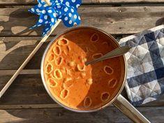 Mild tomatsoppa med snäckpasta | Jävligt gott - vegetarisk mat och vegetariska recept för alla, lagad enkelt och jävligt gott.
