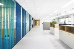 TNO Helmond – Automotive Campus by Hollandse Nieuwe - Office space Divider, Space, Room, Furniture, Home Decor, Display, Homemade Home Decor, Rooms, Home Furnishings