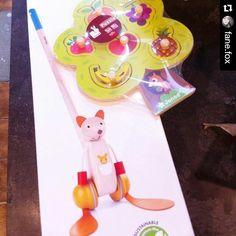 Ooooh le #kangrenard !!  c'est adorable !! Merci d'avoir partagé ça .  Si vous avez un chat on espère qu'il a bien réagi face à ce nouveau colloc ! #Repost @fane.fox with @repostapp  Des petites poupées vont être gâtées... C'est mon petit doigt qui me l'a dit :) Merci @sebiobelgium pour ce joli puzzle en bois et le magnifique #kangrenard :D  #jouets #jouetsenbois #toys #woodtoys #janod #instaplay#instalike #instapic #happybaby #happybabyhappymommy #sebio #sebiobelgium #sebiolifestyle…