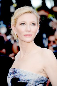 Queen Cate Blanchett - I worship this women, I worship her! Perfection.