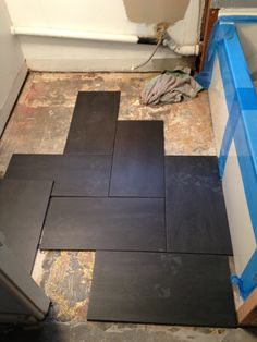 love this bathroom floor tile layout