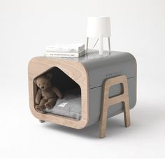With its Scandinavian-inspired design, Oslo is part of the most stylish decorations and your baby's new living space. Small Medium Dog Breeds, Medium Dogs, American Foxhound, Brussels Griffon, Pet Furniture, Lhasa Apso, Pet Home, Dog Houses, Pet Beds