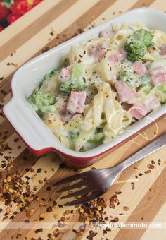 Que tal um macarrão leve e delicioso para você que não quer perder a linha na dieta? Veja a receita aqui: http://receitasdeminuto.com/macarrao-de-verao/