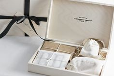 *Swoon* - I love those boxes! Got one from our wedding photographer....so cute!