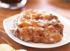 These are the apple fritters I grew up on, loaded with chunks of apple! They're amazingly delicious, especially with a yummy vanilla glaze. Apple Fritter Recipes, Donut Recipes, Apple Recipes, Dessert Recipes, Cooking Recipes, Bar Recipes, Sweet Recipes, Apple Fritters, Apple Desserts