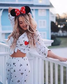 20 Disney Micky and Minnie Theme Outfits and accessories - Mode - Cute Disney Outfits, Disney World Outfits, Disneyland Outfits, Cute Outfits, Disney Clothes, Disneyland Trip, Theme Park Outfits, Estilo Disney, Disney Inspired Fashion