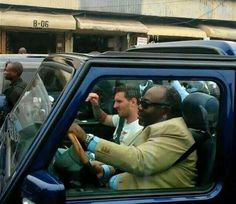 Football Legend Lionel Messi in Gabon  driven by the country's president (photos)