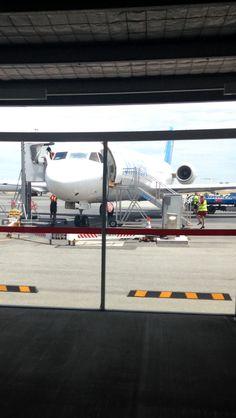 Virgin Australia Fokker 100 -- Terminal 2 Perth