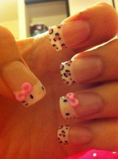 Tip your nails with Hello Kitty and leopard prints! This nail art is so cute and adorable as Hello Kitty appears on the tips of your nails with her cute little pink bow and whiskers on top. Simple, easy to create and more importantly, looking fabulous. Nail Art Kawaii, Fun Nails, Pretty Nails, Bling Nails, Bow Nail Art, Hello Kitty Nails, City Nails, Nail Photos, Manicure Y Pedicure
