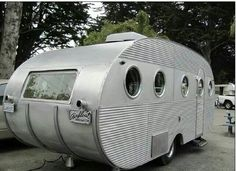 """1953 Airfloat canned ham vintage travel trailer camper - I want to go """"glamping"""" ine one of these! Tiny Trailers, Vintage Campers Trailers, Retro Campers, Vintage Caravans, Camper Trailers, Airstream, Philippe Starck, Old Campers, Camper Caravan"""