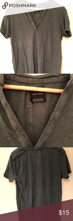 73c47701a Zara Forest Green V Neck Shirt - Mens Medium Zara Forest Green V Neck Shirt  - Mens Medium Zara Shirts Tees - Short Sleeve