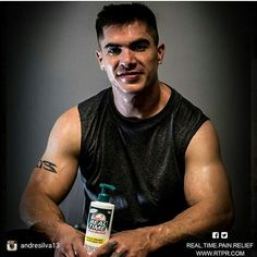 Working out 2-3 hrs a day. Using Real Time Pain Relief everyday too. Pain is REAL after over 15 yrs in the PBR BFTS. I need REAL help with it. I feel better than I have in years.  www.mikeleepainrelief.com  Photo:@andresilva13 @real.time.pain.relief @rtpr_cowboys