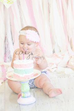 Cake Smash.  Little Girl turns one.