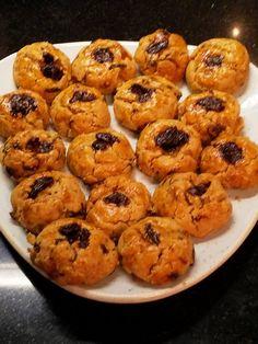 Greek Desserts, Greek Recipes, Cyprus Food, Peach Cookies, Chocolate Cake, Tea Time, Biscuits, Deserts, Food And Drink