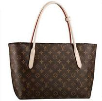 Although Louis Vuitton Raspail PM Brown Totes Is The International Brand, It Is Not Only Belong To Celebritis. Louis Vuitton Sale For Cheap,Designer handbags For OFF! Louis Vuitton Taschen, Louis Vuitton Handbags, Louis Vuitton Monogram, Coach Handbags, Vuitton Bag, I Love Fashion, Passion For Fashion, Women's Fashion, Fashion Bags