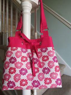 Sweet Bee Buzzings: Make It With Me - Drawstring Handbag Part 1