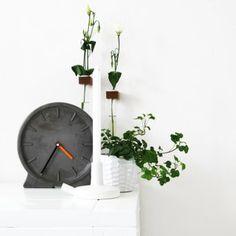 Minimalistische Tischuhr aus Beton und Analog-Uhrwerk #urbanjungle                                                                                                                                                      Mehr