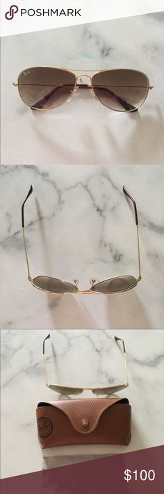Women's raybans Women's small raybans . One side is stretched out but could easily be fixed . Good condition Accessories Glasses